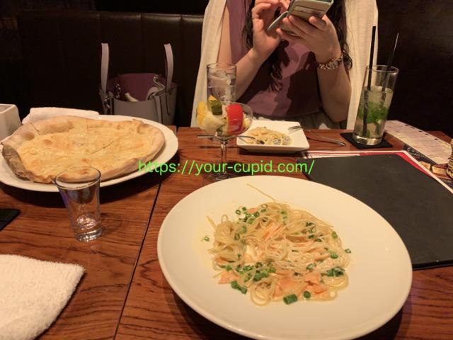 注文した食事とYUちゃん